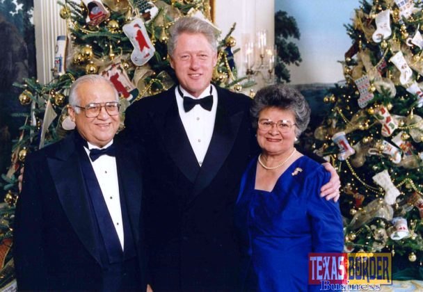 Kika De la Garza and his wife Lucille with President Clinton. William Jefferson Clinton (born William Jefferson Blythe III; August 19, 1946) is an American politician who served as the 42nd President of the United States from 1993 to 2001.