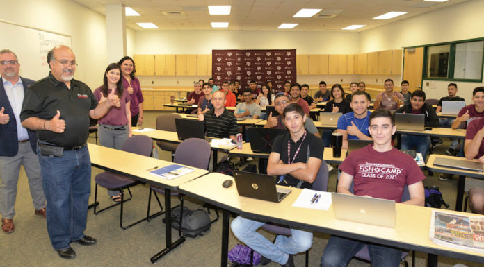 Pictured above, Oscar Lopez, Professor of Practice, Texas A&M University, Higher Education Center at McAllen. He's teaching the course Engineering 111. Next to him, Rick Margo, Interim Director for the program and Director of the Perspective Student Center to the Office of Admissions. In the picture, about 38 students that started classes August 28, 2017. Classes are being held at South Texas College Business & Technology Campus in McAllen. Photo Roberto Hugo Gonzalez