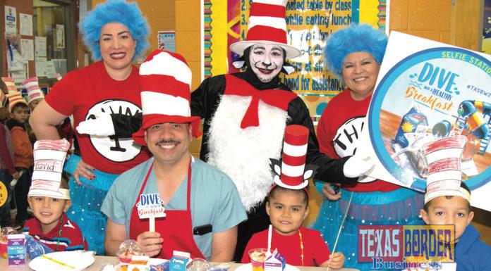 Yes, he is Mayor Hernandez, MD, interacting Carmen Anaya Elementary in the Pharr-San Juan-Alamo School District.