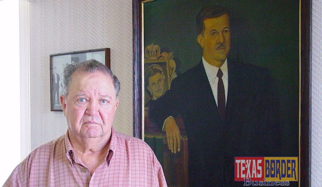 Don Heriberto Deandar Martinez in his office in Reynosa. In the background, hangs a portrait of his father, Don Heriberto Deandar Amador. Photo by Roberto Hugo Gonzalez in September 2005