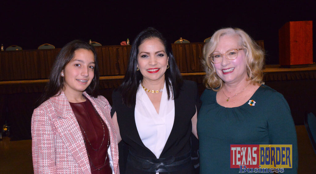 Pictured above from L-R: Rebecca Warren, daughter; Laura Nassri Warren and Kate Horan, director of the McAllen Public Library. Horan acted as the panel moderator for Class of 2818 Female Community Trailblazers in McAllen. Photo by Roberto Hugo Gonzalez