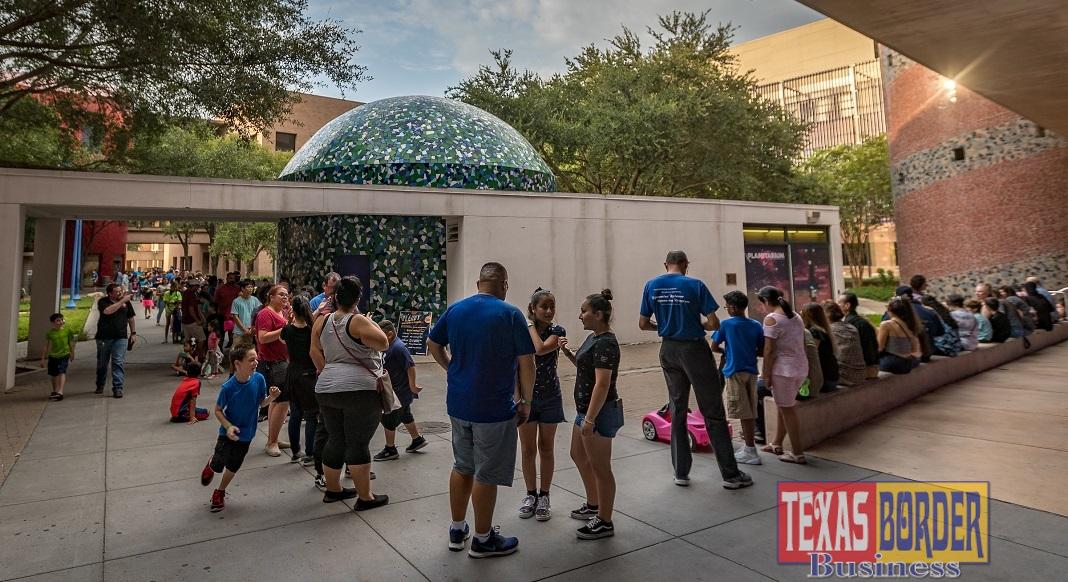 H-E-B Planetarium Draws Close to 500 Stargazers for