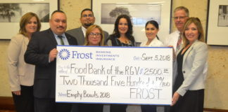 Frost Bank sponsors Empty Bowls 2018 Presented by Vantage Bank Texas and Inter National Bank! Carin Adams, Rick Ramirez, Jose Aleman, Melida Briones, Laura Gutierrez, Empty Bowls Committee Member; Paola Escalante-Castillo, Raymond Jenkins and Jacqueline Flores, Food Bank RGV Dir. of Development & Donor Services. For more information, contact Philip Farias, Mgr. of Corporate Engagement & Events, by calling (956) 904-4513 or mailto:pfarias@foodbankrgv.com