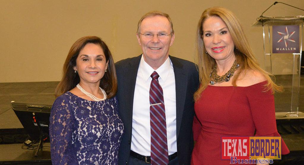 Mayor Jim Darling flanked by his wife Sandra on the left and their dear friend Irma Garza. Photo Roberto Hugo Gonzalez
