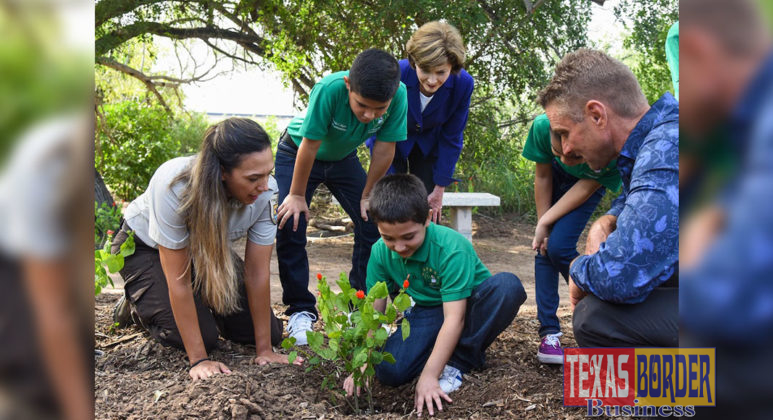 Former First Lady Laura Bush during her visit to PSJA ISD recently with students from Geraldine Palmer Elementary, Gisela Chapa from the Santa Ana National Wildlife Refuge and Allen Williams, PSJA Landscape & Wildlife Habitat Specialist.