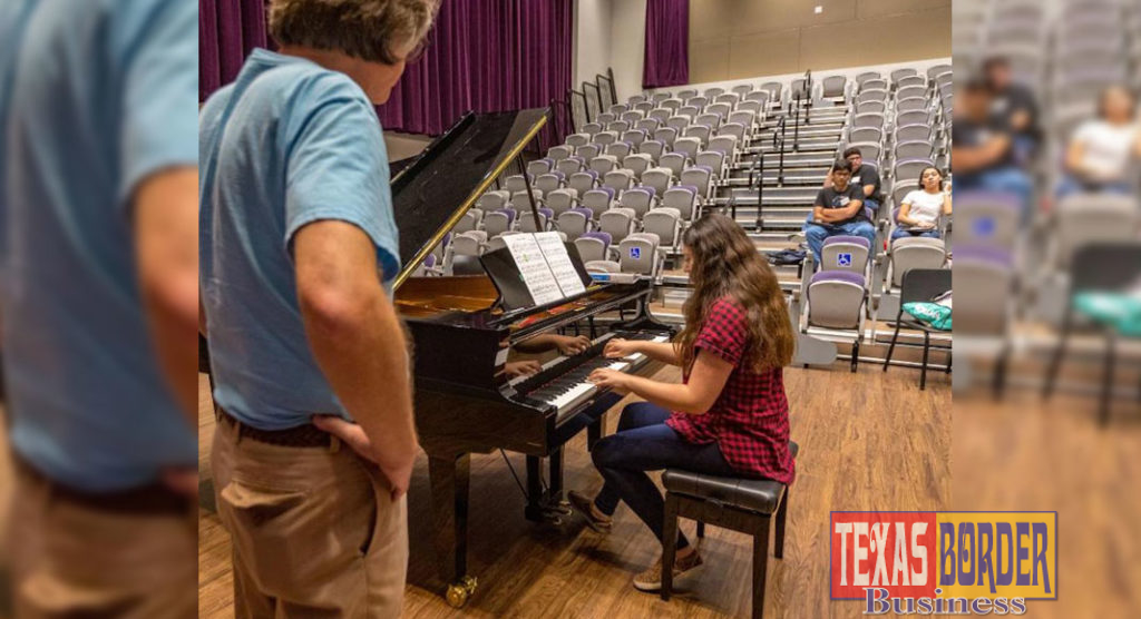Dr. Kenneth Saxon, UTRGV associate professor of Music, leads the university's annual Piano Camp on the Brownsville Campus, where intermediate to advanced piano students auditioned for the chance to participate at the camp. (UTRGV Photo by David Pike)