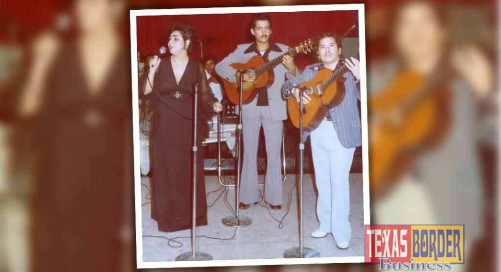 Myrna, Roberto Hugo and Osmel - Myrna y Los Platinos